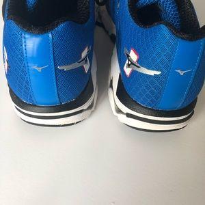 Mizuno Shoes - Mizuno  10 wave inspire running sneakers size 10.5